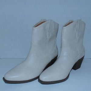 Women White Ankle Boots Size 6.5, 7.5